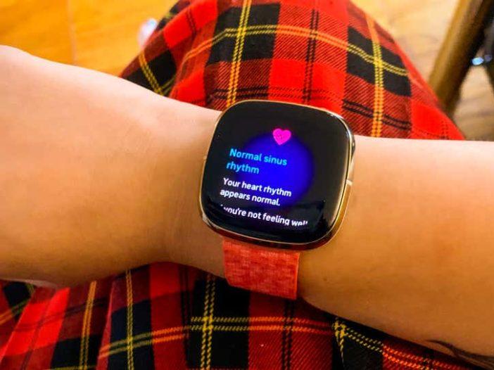 Hier leest u hoe u uw ECG op de Fitbit Sense kunt nemen